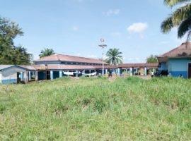 un des pavillions de l'HGR Budjala